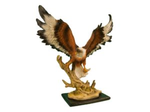 Орел летящий