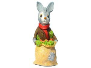 Заяц с мешком моркови